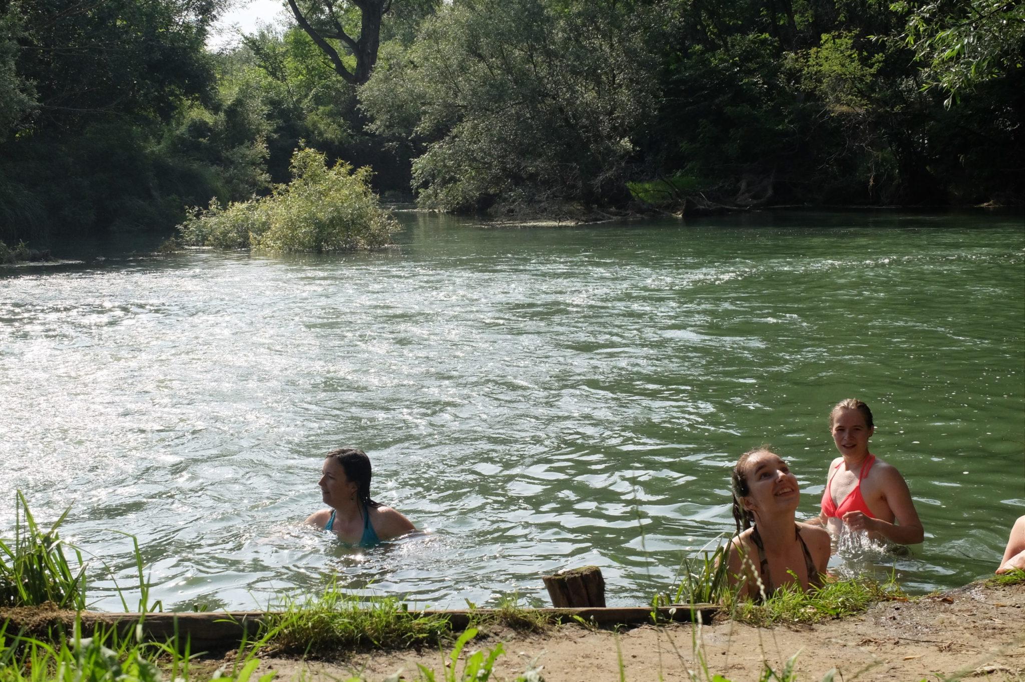 Řeka Karaš u Jasenova