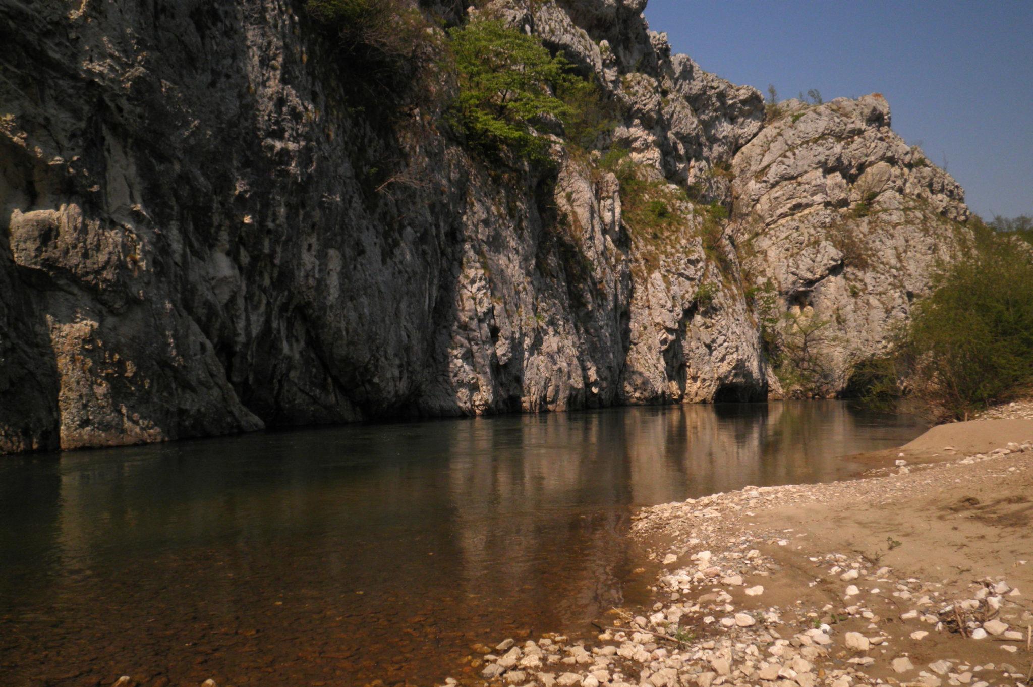 Kaňon řeky Nery v Rumunsku