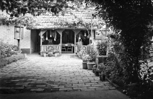 Dvůr domu v Česko Selu